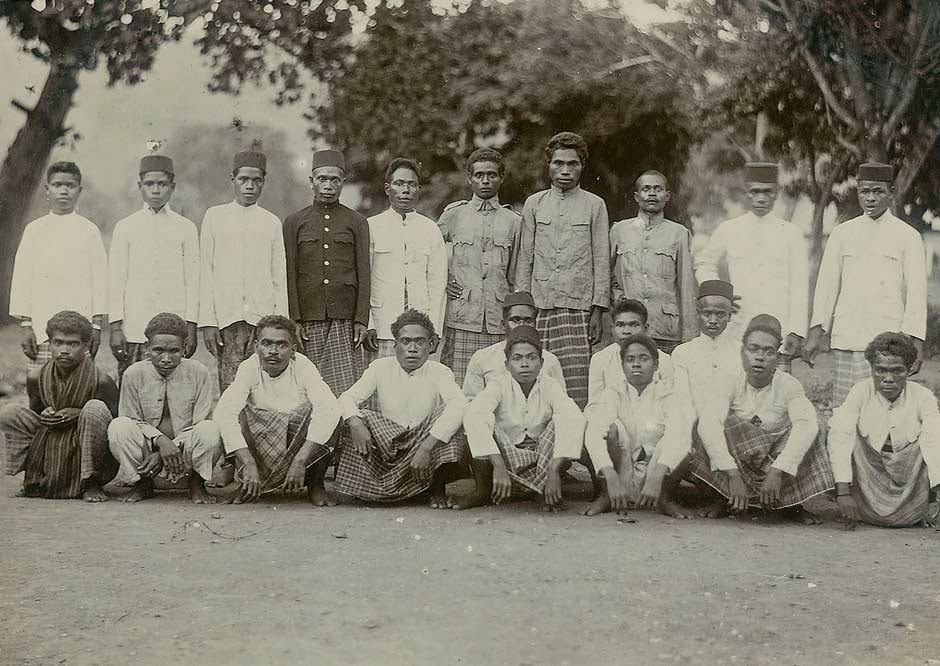Description: Local people at Kalabahi in about 1925