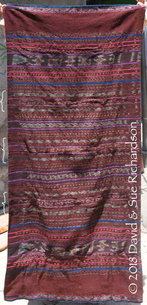 Description: A rather coarse 'kafate sontoraja' belonging to a weaver on Buaya